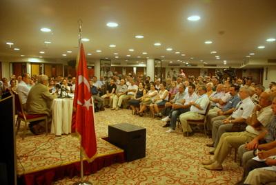 """Prof. Dr. Mümtaz Soysal """"Anayasaya Neden Hayır"""" Konulu Konferansa Katılmıştır"""