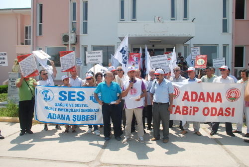 9 Saatlik Mesai Ve Yeni Muayenehane Açma Tebliğini Protesto