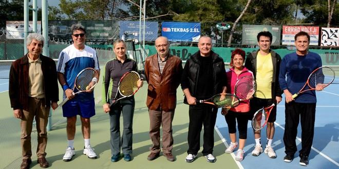Doktorların Tenis Turnuvası Başladı