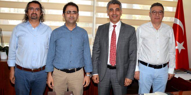Vakıf Üniversitesinde görev yapan hekimlerin tabip odasına üyelikleri ile ilgili Başkent Üniversitesi Adana Dr. Turgut Noyan Uygulama ve Araştırma Merkez Müdürü  Prof. Dr. Ali Fuat Yapar'ı ziyaret