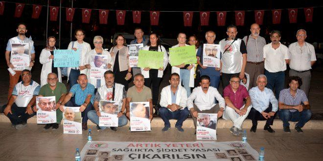 Doktorlar Şiddete Karşı Atatürk Parkı'nda Nöbet Tutuyor!